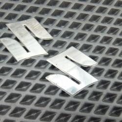 Эмблемы Suzuki