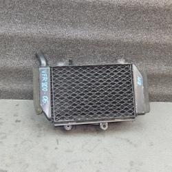 Радиатор левый